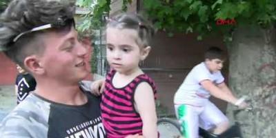 Jovem salva menina que caiu de prédio em Istambul