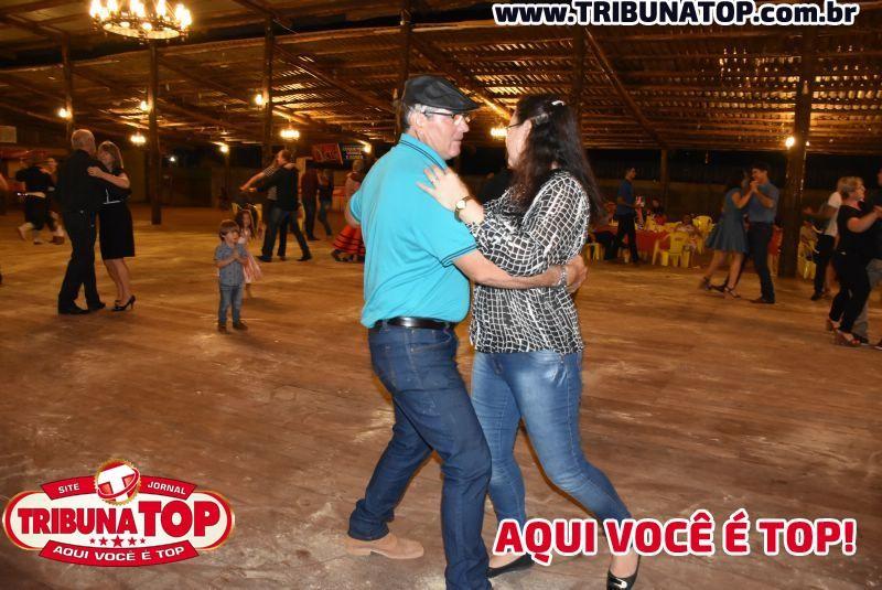 ROLIM DE MOURA: JANTAR DANÇANTE - OS PIRILAMPOS