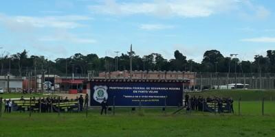Agentes fazem manifestação em penitenciária federal de Porto Velho