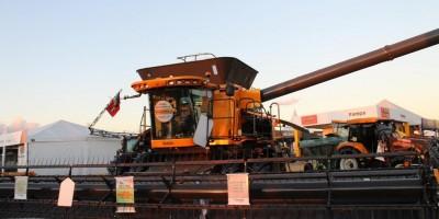 Colheitadeira de R$ 1,4 milhão e trator automático são atrações na 7ª Rondônia...