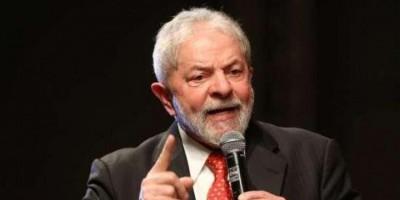 VERGONHA: Barroso, Dilma e Lula são alvos de protesto em Londres em frente a evento...
