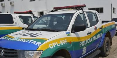 Adolescentes capotam carro após roubar residência e são apreendidos em Ariquemes, RO