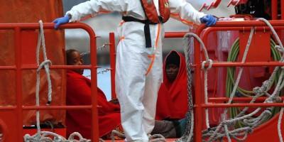 Novo balanço de naufrágio na Tunísia confirma a morte de 35 imigrantes