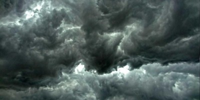 Tornado no RS deixa dois mortos e causa prejuízos em 20 cidades
