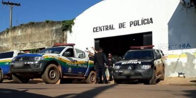 Homem é preso por agredir mulher com golpe de facão e atear fogo na residência da...