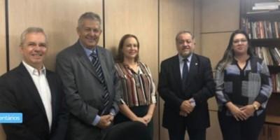 Luiz Cláudio vai ao MEC e anuncia curso de Medicina para o município de Ji-paraná