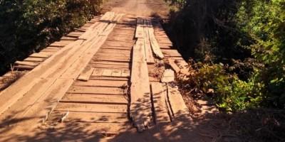 Prefeitura de Rolim de Moura interdita ponte da linha 188 norte, no km 5, para...