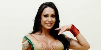 FAMA: Gracyanne desmente caso com mulher: 'Tentei dar de presente pra o Belo'