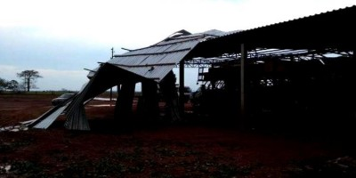 IMPRESSIONANTE: Forte temporal destelha casas e chove granizo em Rondônia