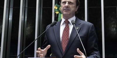 Policiais federais tentam transferir senador Acir Gurgacz e são impedidos por médicos