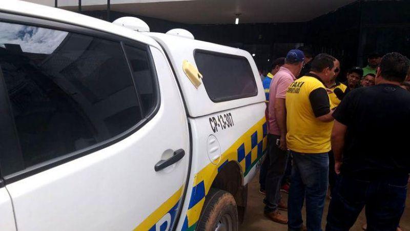 CONFUSÃO: Presidente dos taxistas é preso por desacato a agentes da Semtran