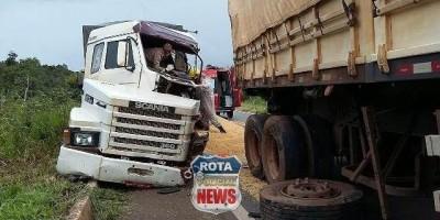 Motorista tem perna amputada após colidir contra carreta na BR-364 entre Vilhena e...