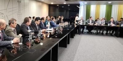 No Ministério das Minas e Energia, deputados estaduais exigem fim do aumento da tarifa...