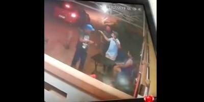 VÍDEO: Motorista de aplicativo e apenado são presos após roubo em comércio