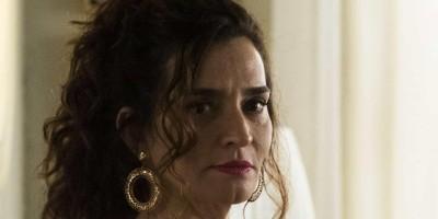 Atriz Gisele Fróes é acusada de injúria e agressão por cineasta