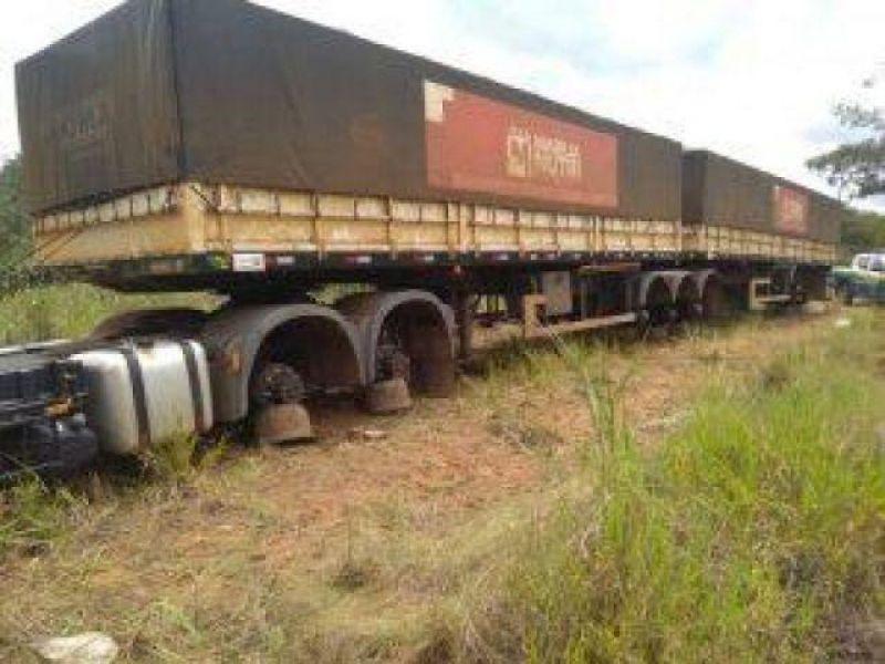 Audácia: ladrões roubam pneus de carreta em Vilhena