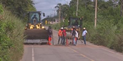JI-PARANÁ: DER inicia ação para tapar buracos na estrada que dá acesso ao Aeroporto...