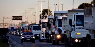 MANIFESTAÇÃO: Caminhoneiros se mobilizam para nova paralisação no dia 30