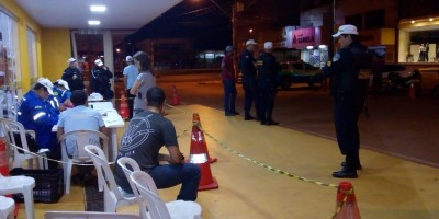 ROLIM DE MOURA: Operação Lei Seca flagra mais de 10 pessoas sob efeito álcool