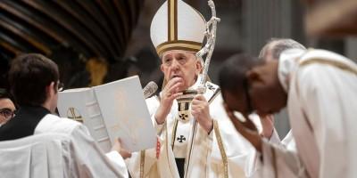 Papa Francisco celebra famosa missa dos Lava pés