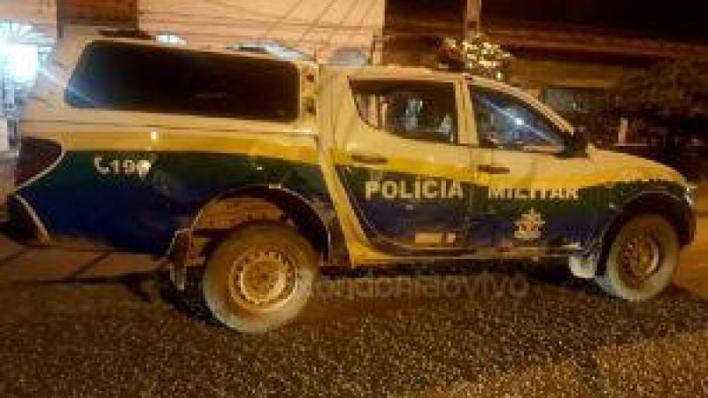 Cacoal- Viatura da Polícia Militar colide em arvore e atinge idoso durante acompanhamento tático