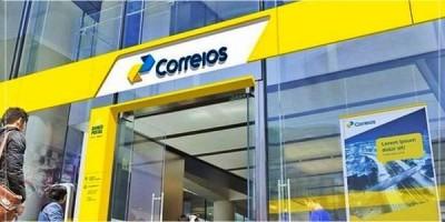 Dobrada resistência de Bolsonaro, governo quer privatização dos Correios, diz fonte
