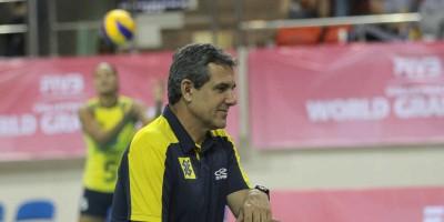 Zé Roberto define lista de convocadas para seleção brasileira de vôlei