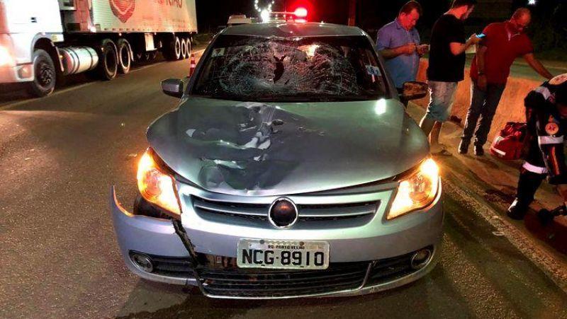 ATROPELAMENTO: Andarilho se joga na frente de carro e fica gravemente ferido na BR-364