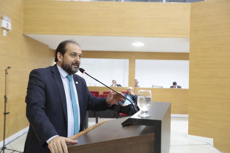 LAERTE GOMES ANUNCIA INÍCIO DA RECUPERAÇÃO DA RO-135, ENTRE JI-PARANÁ E A BR-429