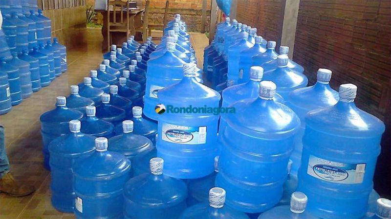 Vigilância Sanitária e Delegacia do Consumidor descobrem água de poço artesiano sendo vendida como mineral