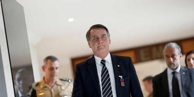 Bolsonaro diz que demitirá presidente dos Correios