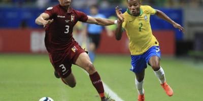 Copa América: em meio a apuros, Brasil encara o Peru de olho na vaga