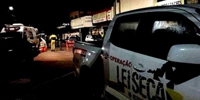 LEI SECA: Motorista bêbado foge de blitz e derruba PM de moto durante perseguição