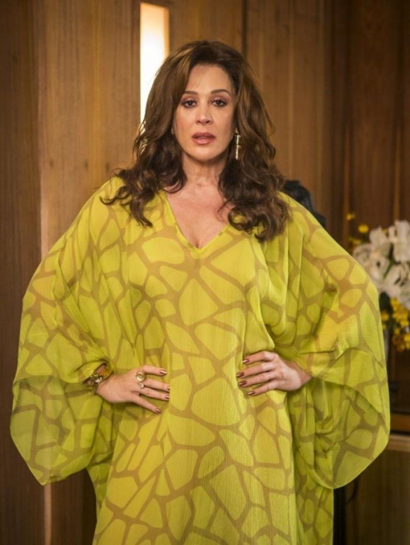 Claudia Raia diz que interferiu no namoro do filho com Nicole Bahls: