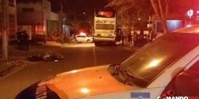 JI-PARANÁ: Jovem motociclista de 22 anos morre após colidir em ônibus