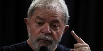 Lula diz que vai provar, da cadeia, que Moro e Deltan são bandidos