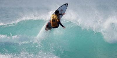 Medina, Mineirinho e Filipinho avançam na abertura da etapa do Taiti