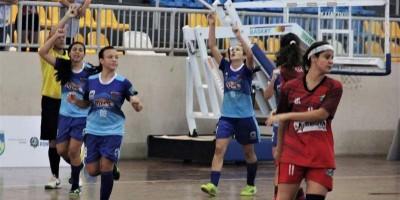 ROLIM DE MOURA: Futsal juvenil feminino da Escola Aluízio é campeã estadual invicta no...