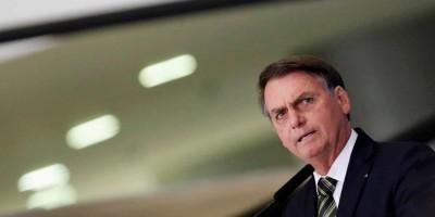 Bolsonaro se reúne com advogado de Flávio no caso Queiroz