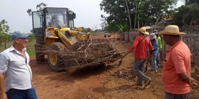 CASTANHEIRAS: Secretaria Municipal de Obras realiza limpeza no Distrito de Jardinópolis