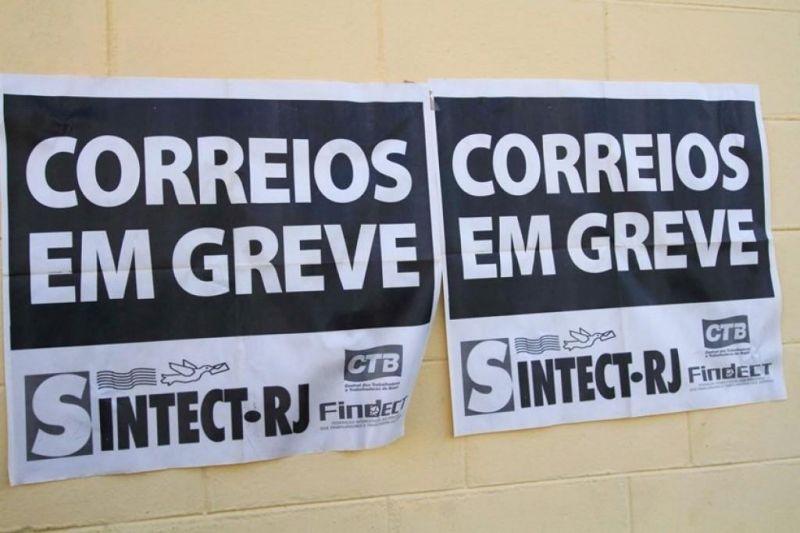 Funcionários dos Correios decidem entrar em greve em todo o país