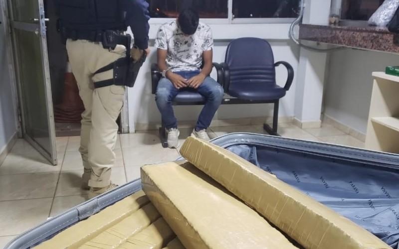 Jovem é preso com 10 kg de maconha a caminho de Porto Velho