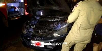 Carro pega fogo no trânsito e servidores do Samu impedem destruição