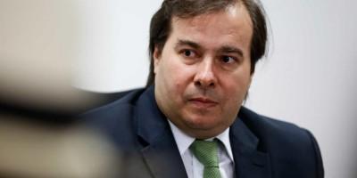 Maia diz 'não aceitar ameaças' e pressão de governadores por dinheiro
