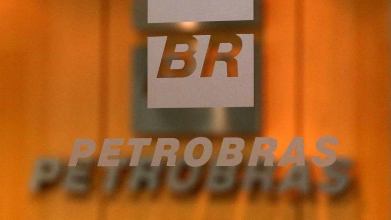 Petrobras reafirma que óleo em praias não veio de ações da empresa
