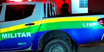 Soldado do Exército tenta matar primo a pauladas por causa de mulher