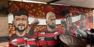 Suposta casa de traficante tem mural do Flamengo e vista panorâmica