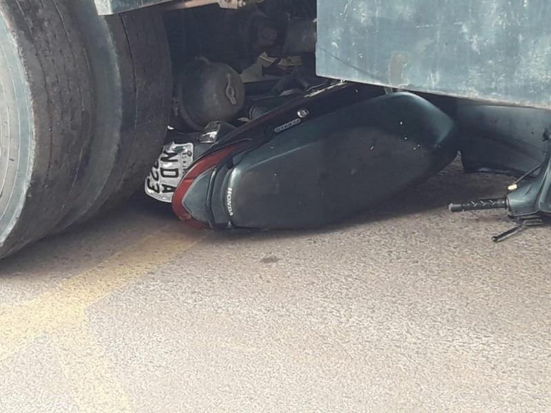 TRISTE: Jovem Michelle Pegoraro que se envolveu no acidente entre moto e caminhão não resiste e morre em Cacoal
