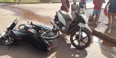 Acidente envolvendo motocicletas deixa duas mulheres feridas em Rolim de Moura