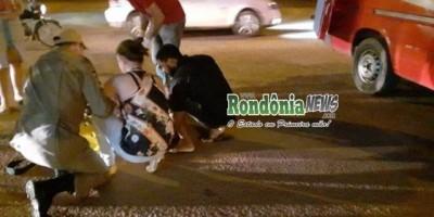 Ciclista é atropelada por motociclista que foge sem prestar socorro em Rolim de Moura